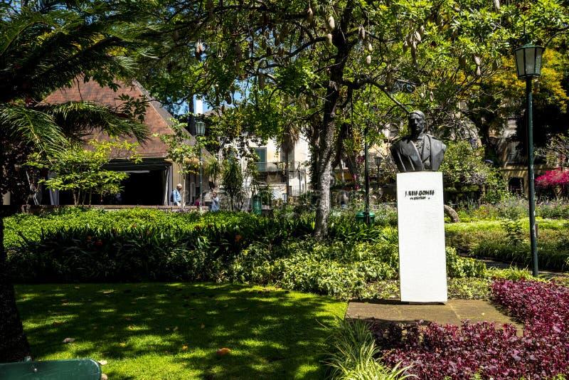 Statua w pięknej Miejskiej ogródu Funchal maderze zdjęcia stock