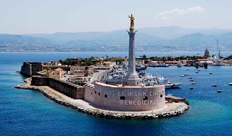Statua w porcie Messina, Włochy fotografia royalty free
