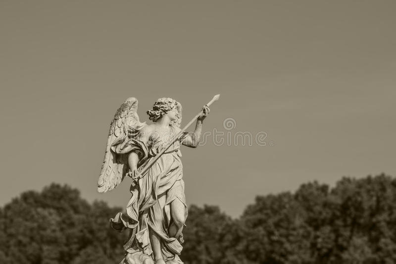 Statua w Rzym Europejski podróży pojęcie z rzymską architekturą zdjęcie royalty free