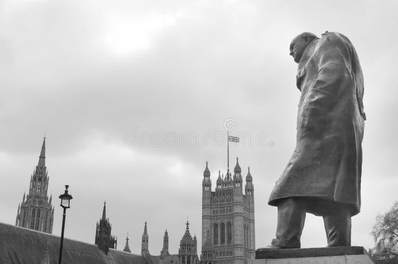 Statua Winston Churchill przy Westminister, Londyn obrazy royalty free