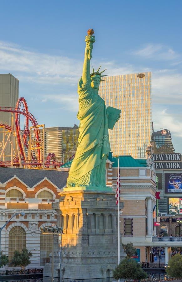 Statua Wolności przy Nowym nowym Jork hotelem, kasynem i obrazy royalty free