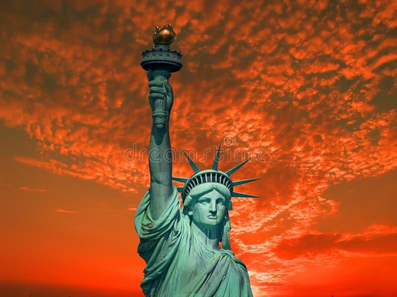 Statua Wolności przy wschodem słońca obrazy royalty free