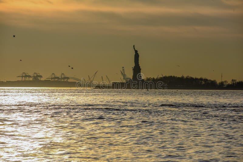 Statua Wolności przy zmierzchem obrazy royalty free