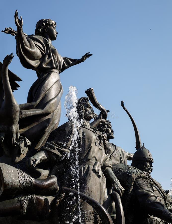 Statua założyciele Kijów przy niezależność kwadratem zdjęcie stock