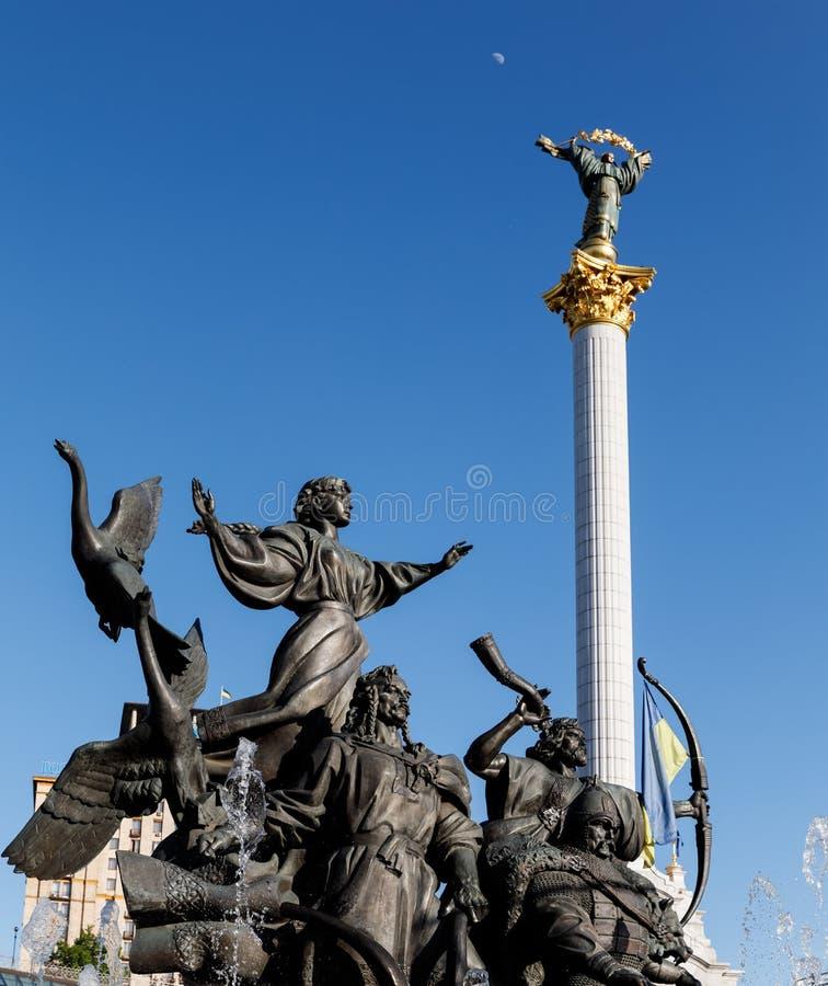 Statua założyciele Kijów przy niezależność kwadratem zdjęcia stock