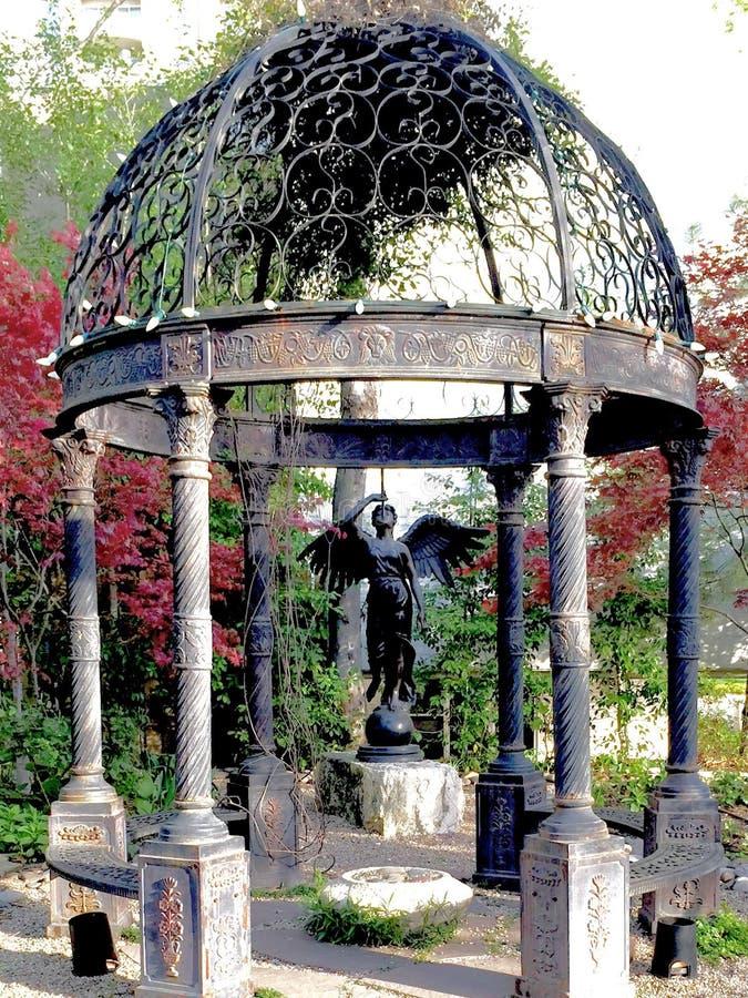 Statue à ailes au belvédère photographie stock libre de droits