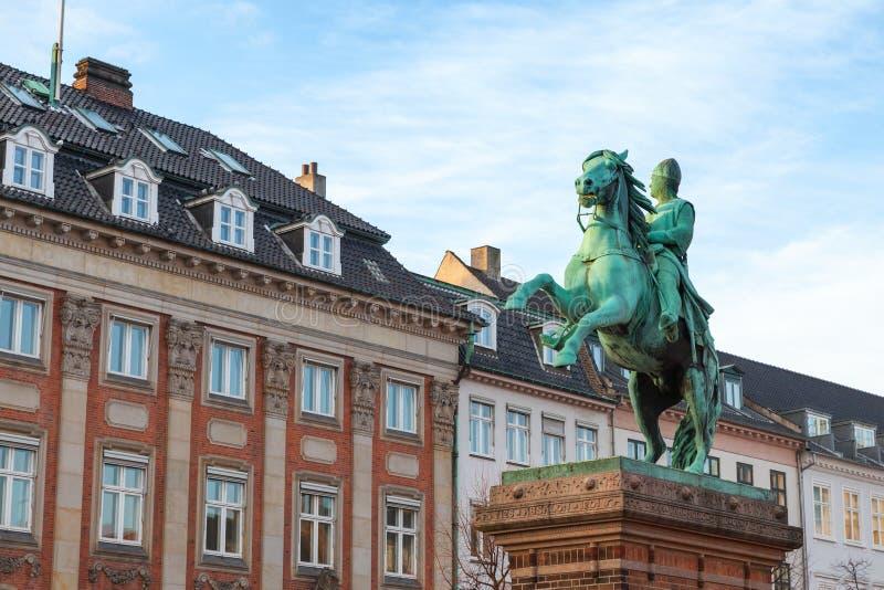 Statue équestre d'Absalon, Copenhague images stock