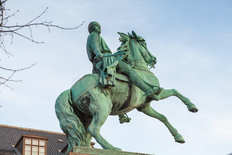 Statue équestre d'Absalon Hoejbro Plads photos libres de droits
