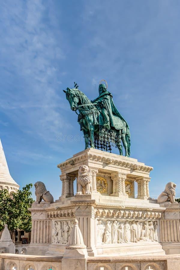 Statue équestre dans Budepest image stock