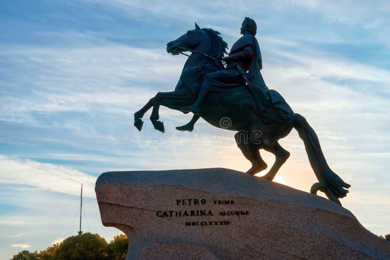 Statue équestre de Peter le grand cavalier en bronze, pe de saint photographie stock libre de droits
