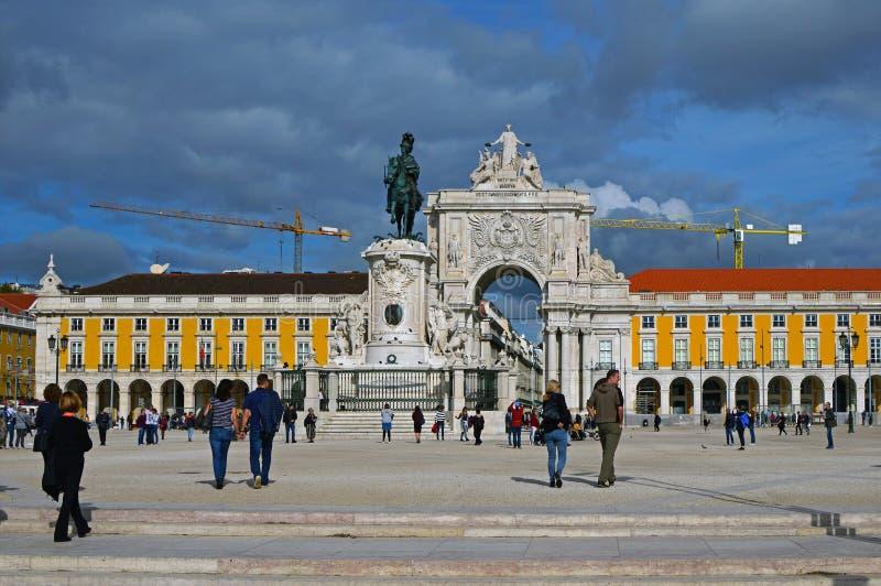 Statue équestre du Roi Jose I sur le fond du Triump photos stock