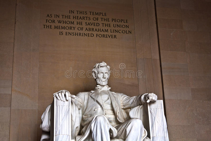 Download Statue Of Abraham Lincoln At Stock Photo - Image: 21061854