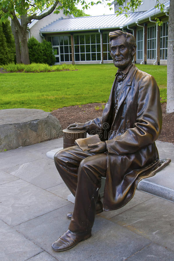 Download Statue of Abraham Lincoln editorial stock photo. Image of kean - 83723483