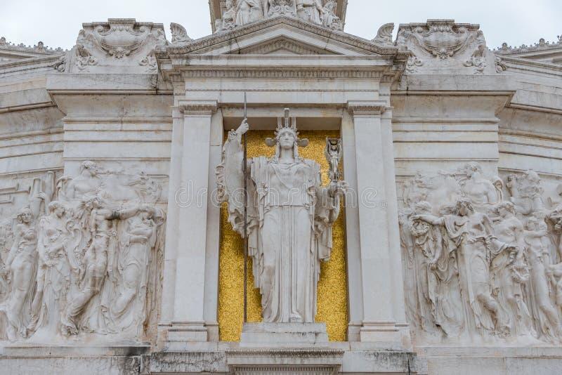 Statue alla fontana di Nettuno in Piazza del Popolo, Roma, Italia fotografia stock