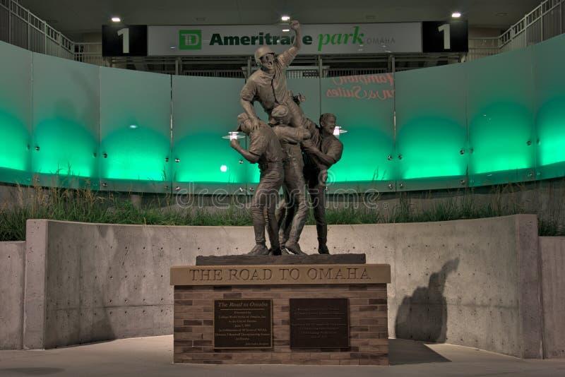 Statue an Ameritrade-Park in im Stadtzentrum gelegenem Omaha lizenzfreie stockbilder