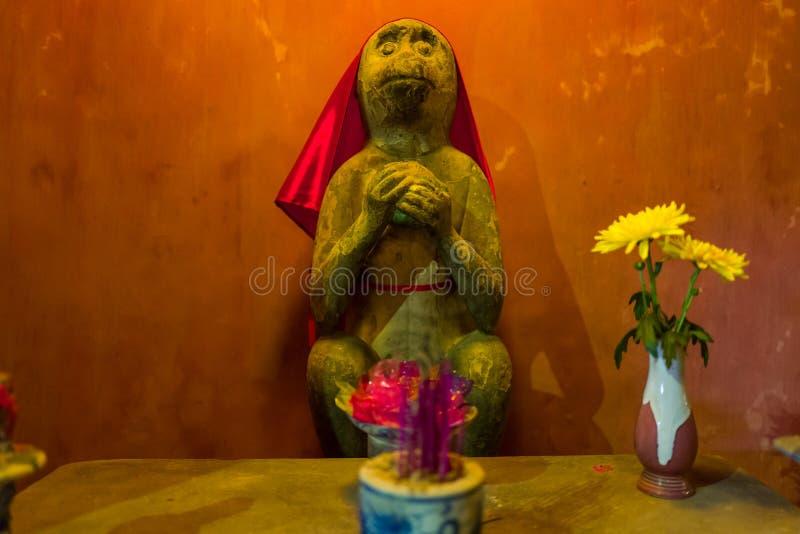 Statue animale au pont japonais en Hoi An, Vietnam photo libre de droits