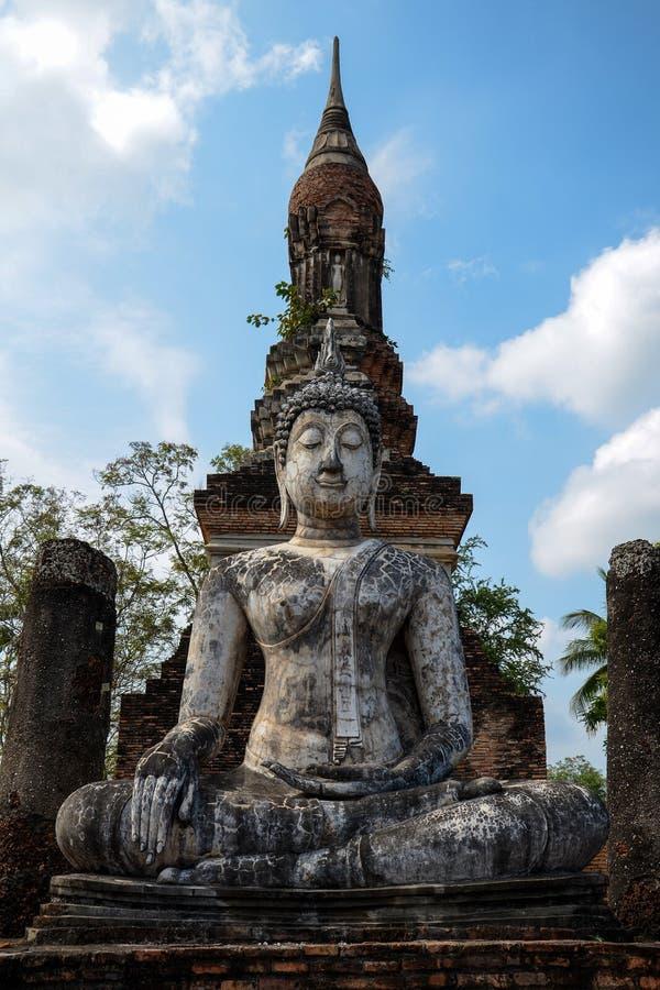 Statue antique de Bouddha dans Sukhothai photographie stock libre de droits