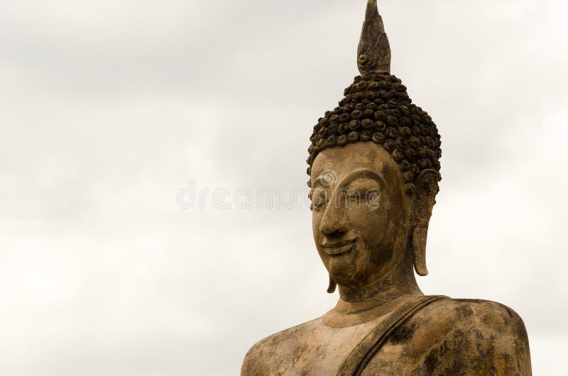 Statue antique de Bouddha dans Sukhothai photo stock