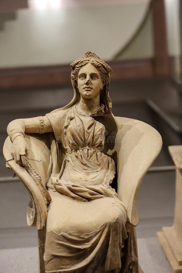 Statue antique de femme dans les bains de Diocletian (Thermae Diocletiani) à Rome image stock