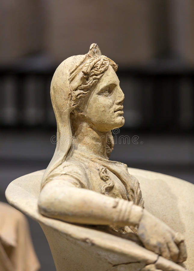 Statue antique de femme dans les bains de Diocletian Thermae Diocletiani à Rome images stock