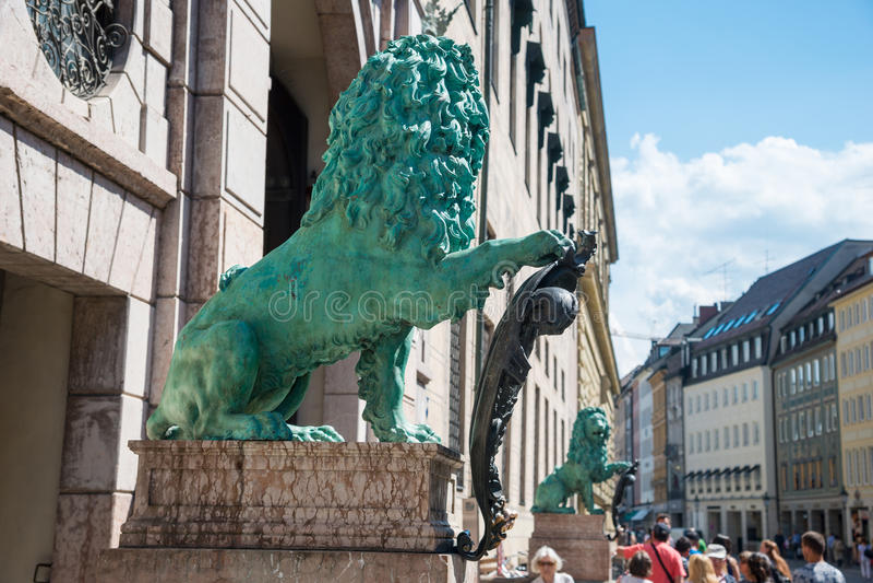 Statue bavaroise de lion au palais de Munich Alte Residenz à Munich, Bavière, Allemagne photographie stock libre de droits