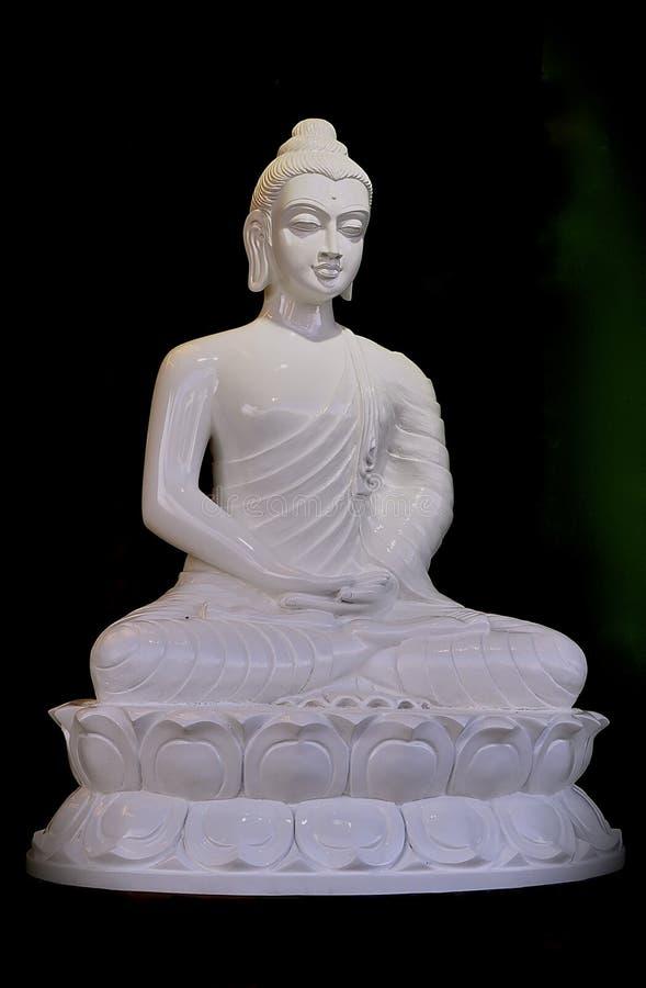 Statue blanche de Bouddha d'albâtre photographie stock libre de droits