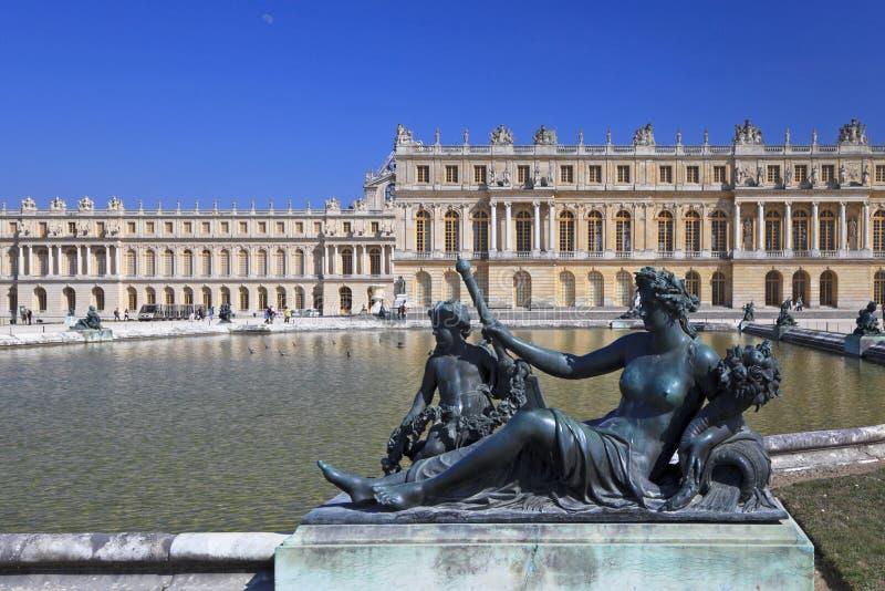 Statue Bronze in giardino di Versailles. La Francia fotografia stock libera da diritti