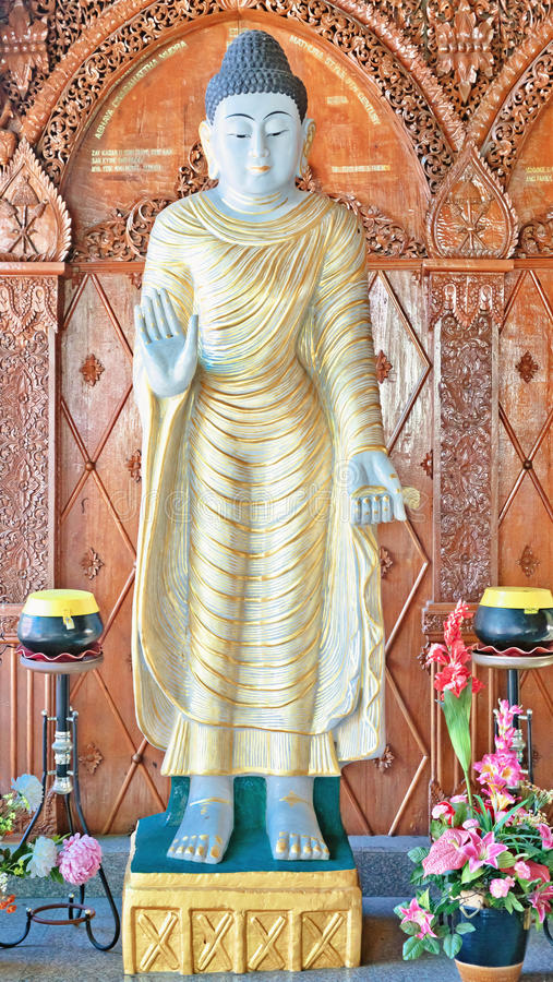 Statue In Buddhist Temple Royalty Free Stock Photo