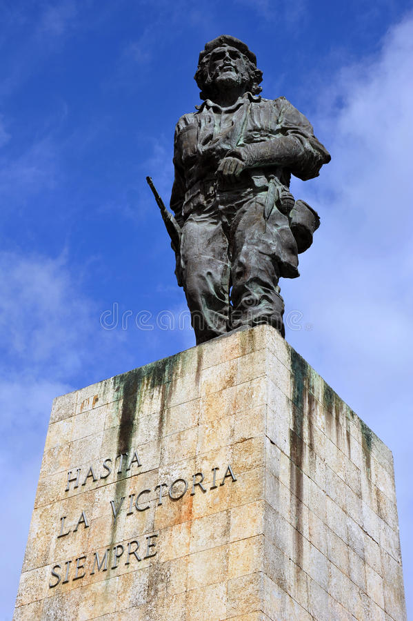 Statue of Che Guevara. SANTA CLARA, CUBA - JAN 19, 2016: The statue of Cuban national hero Che Guevara at the Mausoleum and memorial to him and 29 others who stock photos