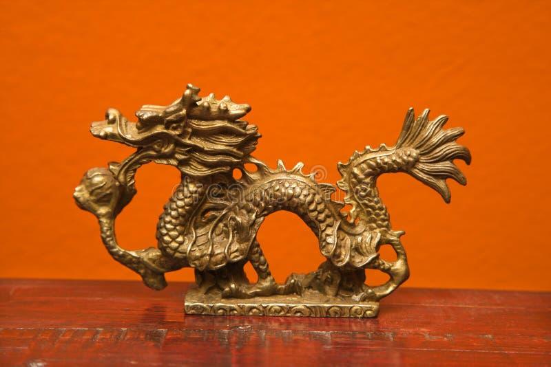 Statue chinoise de dragon. photos libres de droits