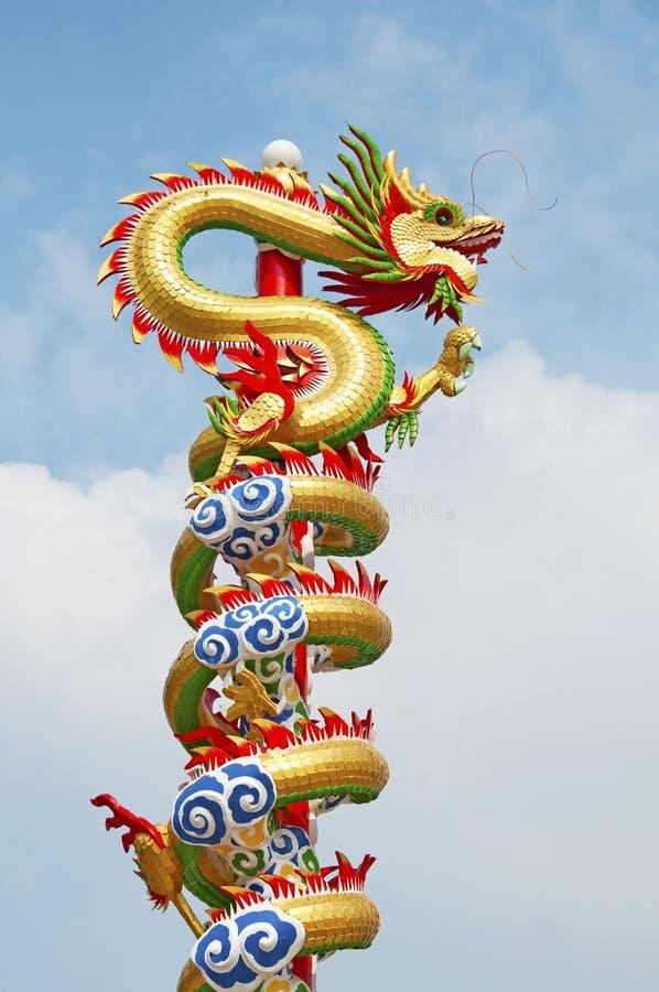 Statue chinoise de dragon photos stock