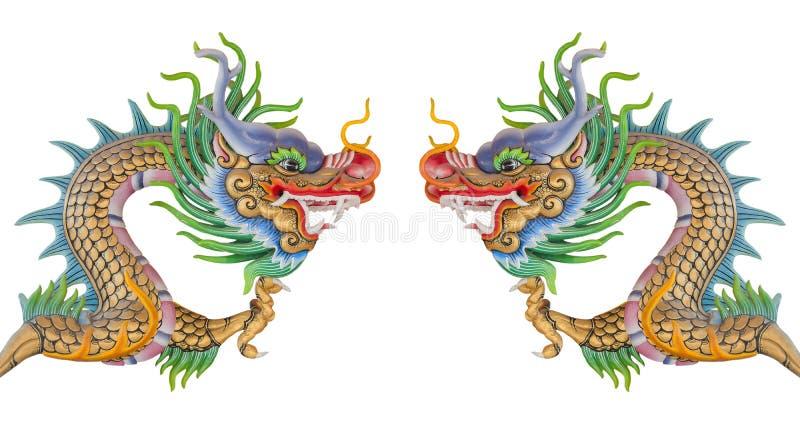 Statue chinoise de dragon d'isolement photos stock