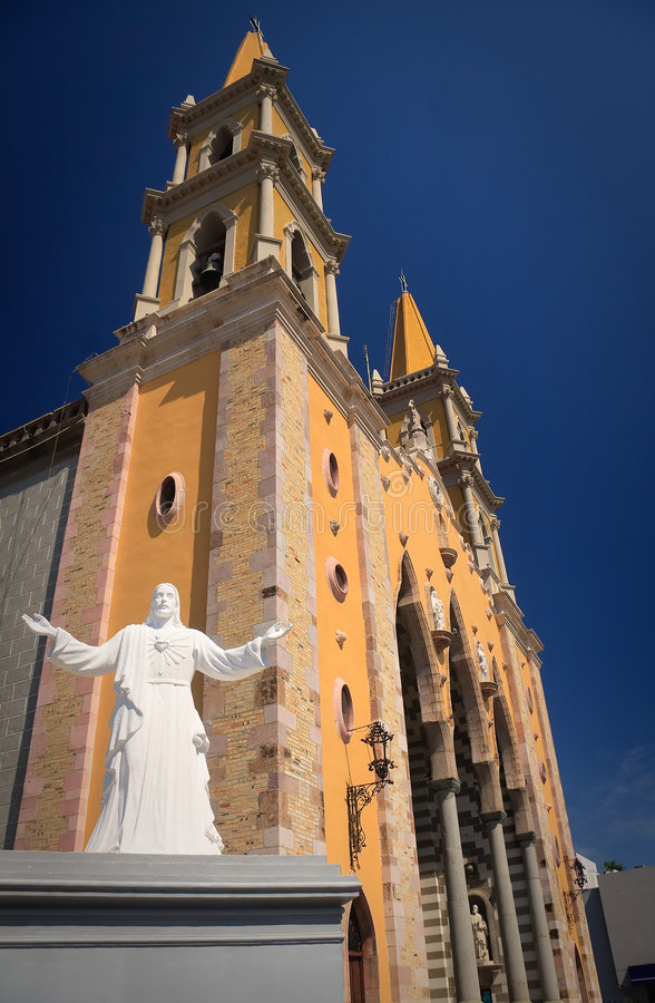 Download Statue Of Christ In Front Of Mazatlan Church Stock Image - Image of antique, lamp: 7112611