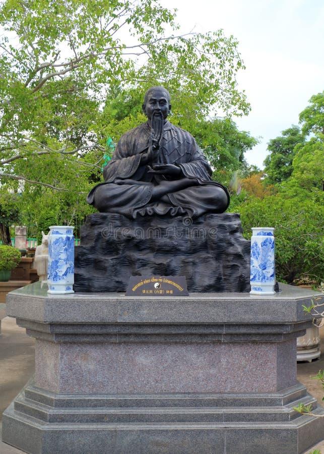 Statue cinesi di mitologia in tempio cinese immagini stock