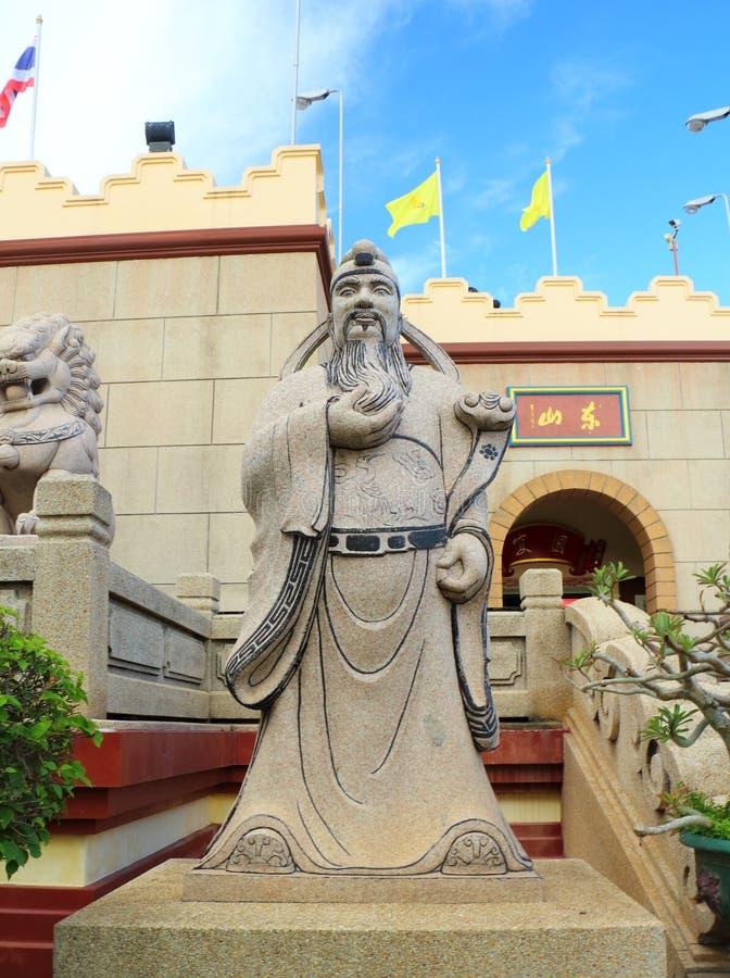 Statue cinesi di mitologia in tempio cinese fotografie stock libere da diritti