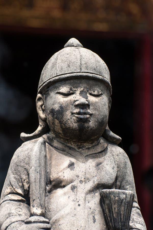 Statue concrete d'annata in Wat Chai Mongkon - tempio buddista, fotografia stock libera da diritti