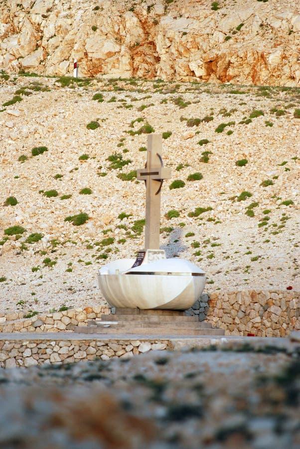 Statue croisée dans Novalja sur l'île PAG en Dalmatie, Croatie photo libre de droits