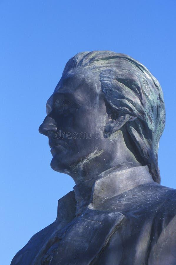 Statue d'Alexander Hamilton donnant sur Great Falls en Paterson, New Jersey image stock