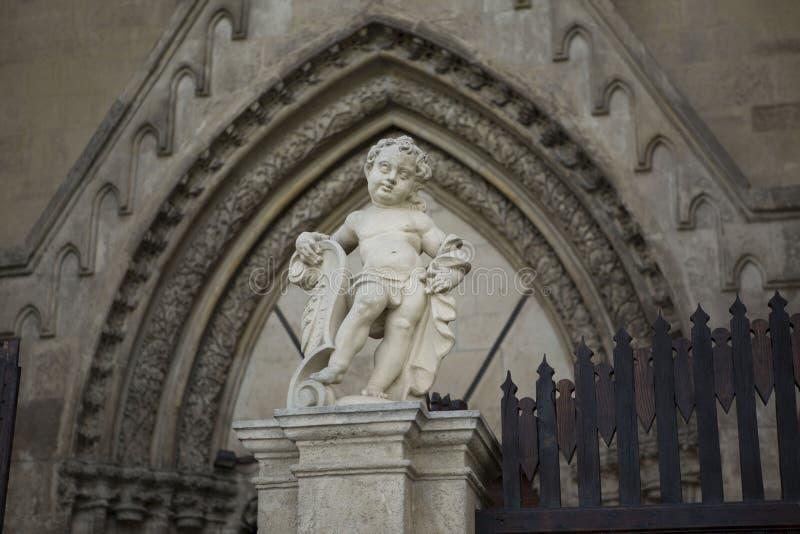 Statue d'ange dans l'église chrétienne, Alba Iulia, Roumanie image libre de droits