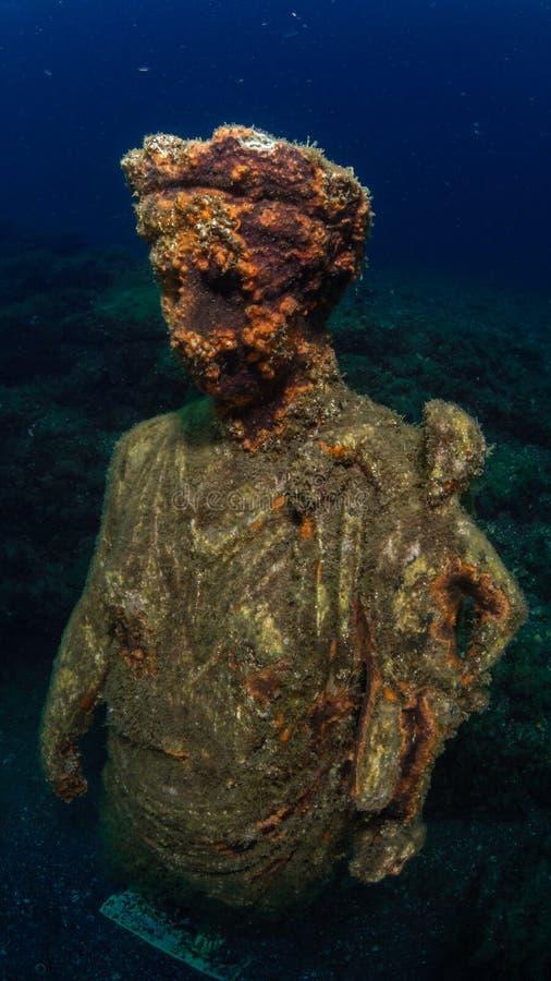 Statue d'Antonia Minor dans Claudio's Ninfeum sous-marin, archéologie images stock