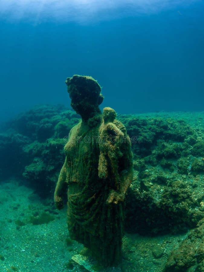 Statue d'Antonia Minor dans Claudio's Ninfeum sous-marin, archéologie photo libre de droits