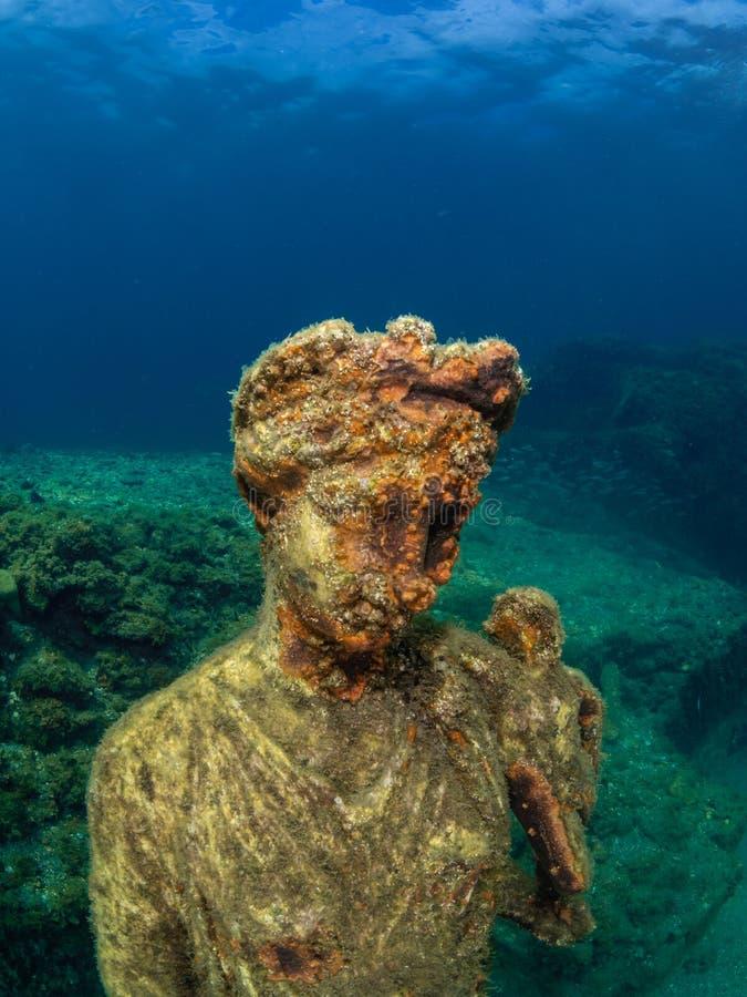 Statue d'Antonia Minor dans Claudio's Ninfeum sous-marin, archéologie photographie stock