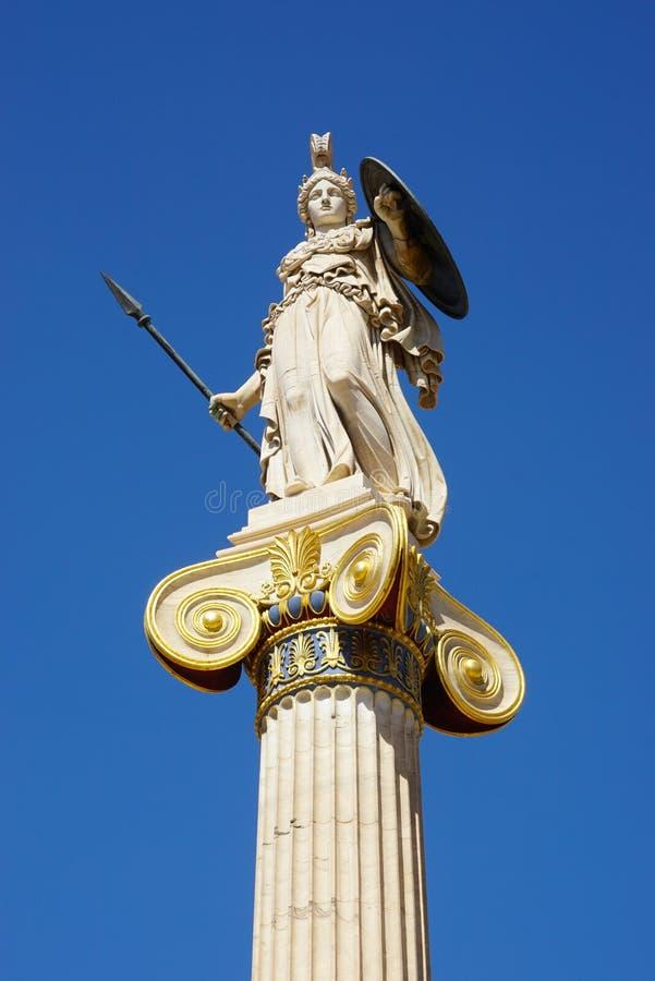 Statue d'Athéna à l'entrée principale de l'académie d'Athènes, Grèce image stock