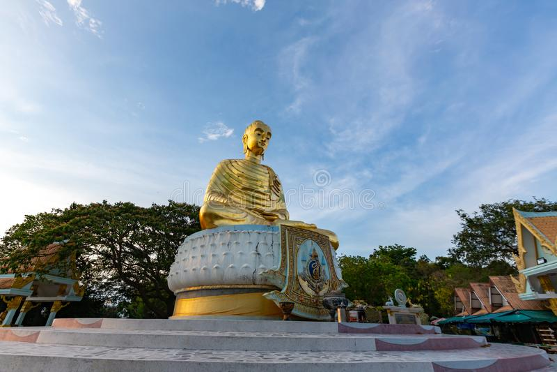 Statue d'or Bouddha Kittisiri Chai de Bouddha photo stock