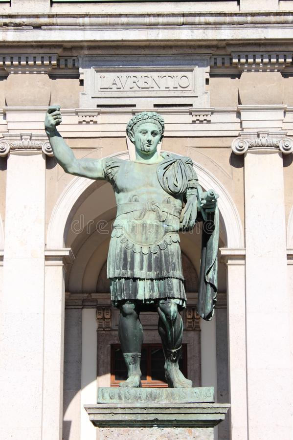 Statue d'empereur Constantine photos libres de droits