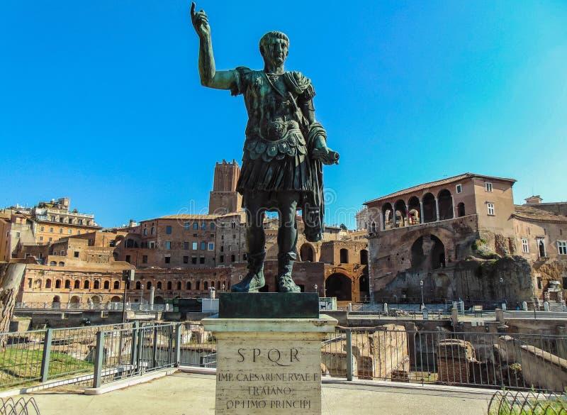 Statue d'empereur de Marco Ulpio Traiano à Rome image libre de droits