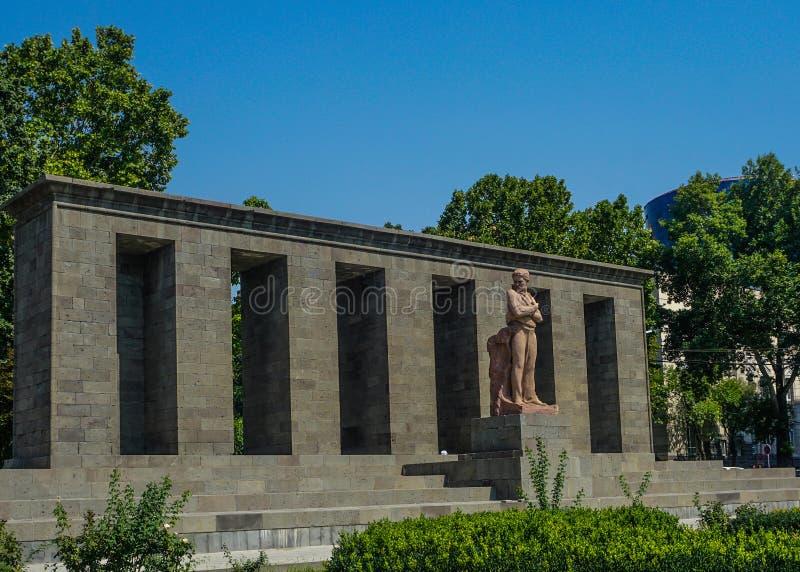 Statue d'Erevan Shahumyan photo libre de droits