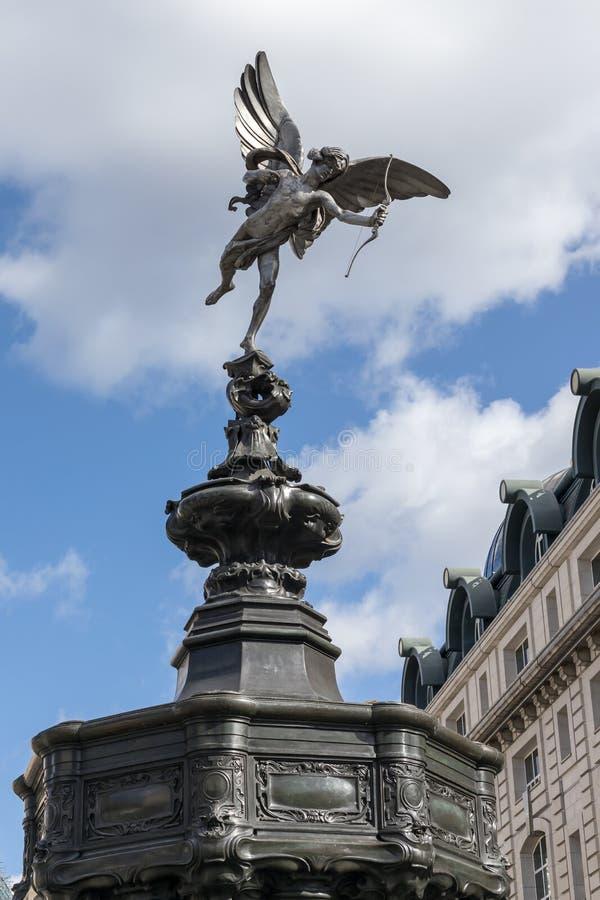 Statue d'eros dans Piccadilly Circus à Londres le 11 mars 2019 images libres de droits
