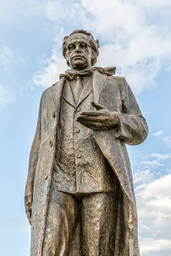 Statue d'Ibrahim Rugova dans Pristina images stock