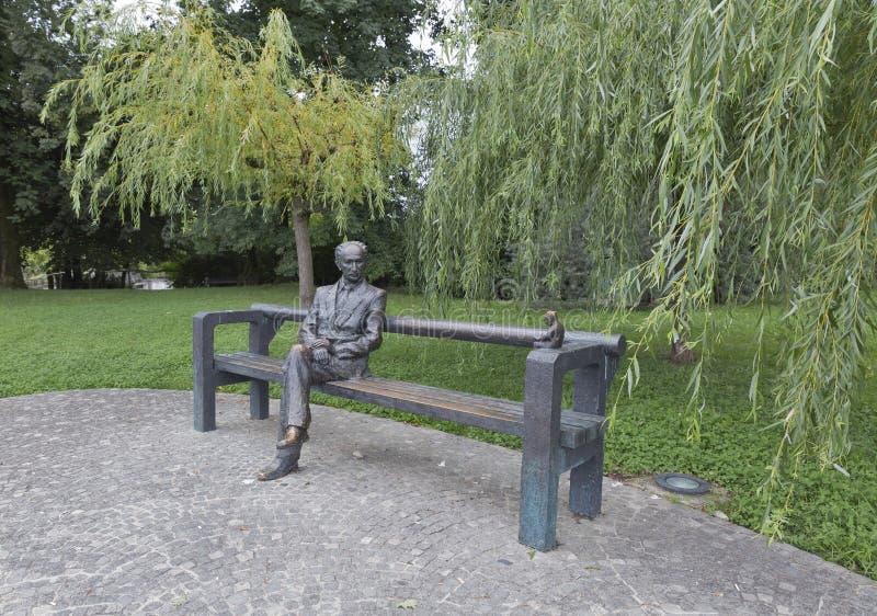 Statue d'Oton Zupancic en parc de Tivoli Ljubljana, Slovénie photo libre de droits